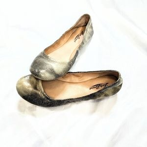 Lucky Brand Emmie flats reptile print